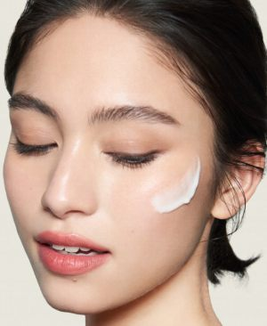 even skin serum model